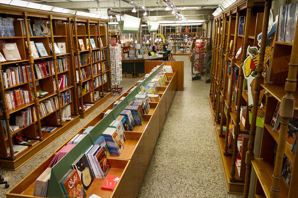 Slumberland de bookshop belgisch stripcentrum museum brussel - Idee bibliotheek ...